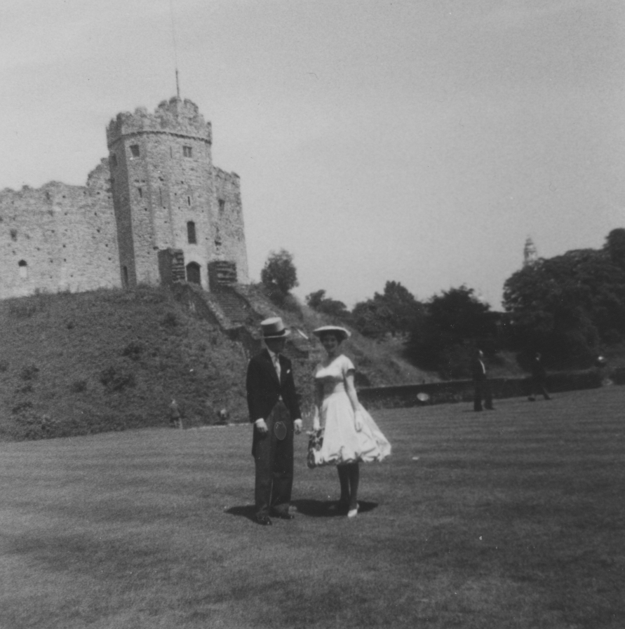 madelaine thomas and peter reynolds,                       cardiff castle